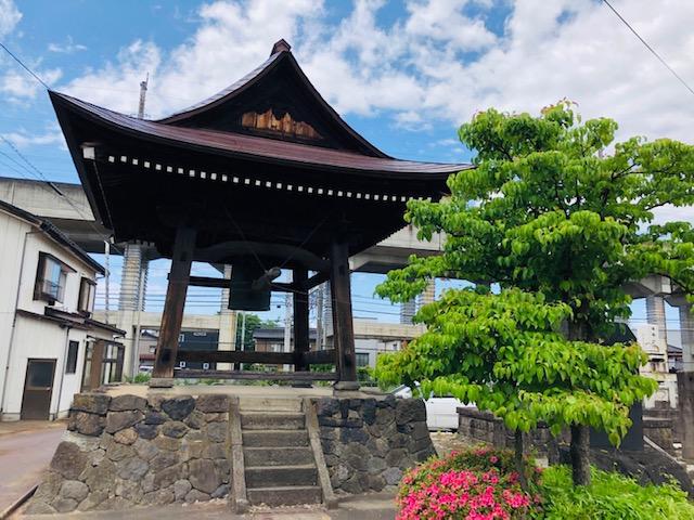 榮凉寺(えいりょうじ)